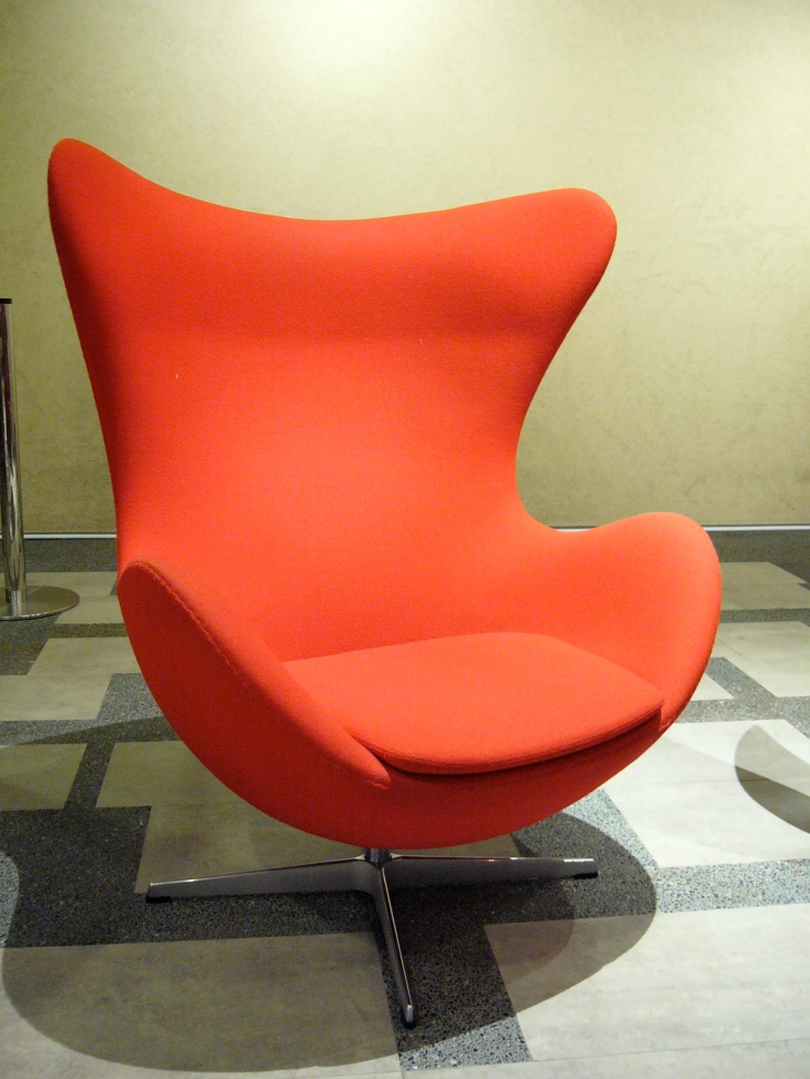 20th Century Masterpieces : : Egg Chair by Arne Jacobsen, 1958 | from drezier's blog [20th Century Masterpieces : : Egg Chair] dated 2017/3/18