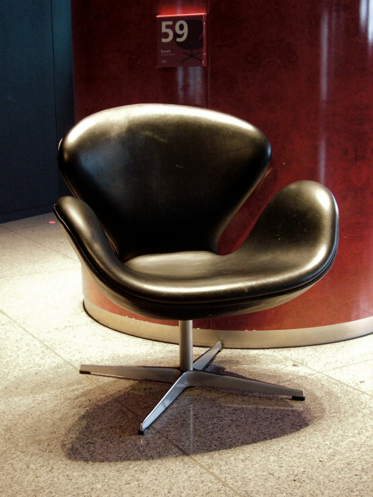 20th Century Masterpieces : : Swan Chair by Arne Jacobsen | from drezier's blog [20th Century Masterpieces : : Swan Chair] dated 2017